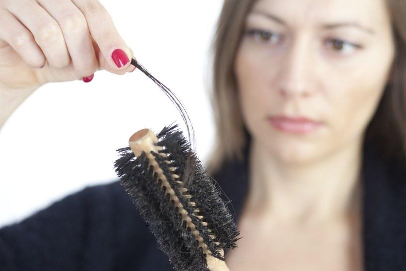 Nie przejmuj się! Wypadanie włosów można powstrzymać /123RF/PICSEL