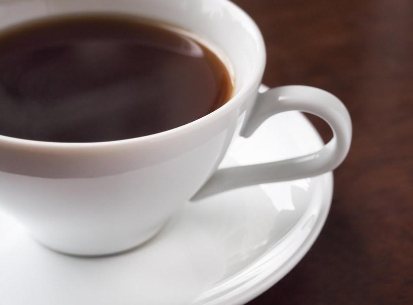 Nie przesadzaj z piciem kawy: Ona może odwadniać organizm /123RF/PICSEL
