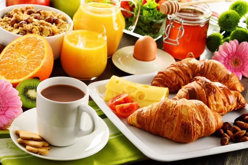 Nie rezygnuj ze śniadań /123RF/PICSEL