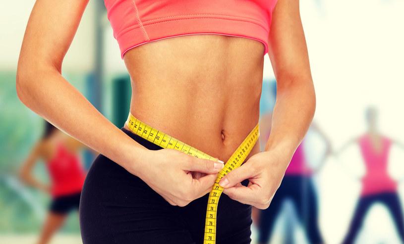 Nie rozpoczynaj odchudzania bez konsultacji z lekarzem i dietetykiem /123RF/PICSEL
