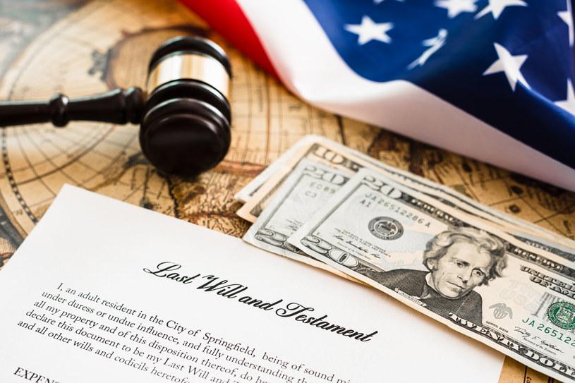 Nie składając corocznego zeznania podatkowego w USA można mieć olbrzymie długi podatkowe, nawet o tym nie wiedząc /123RF/PICSEL