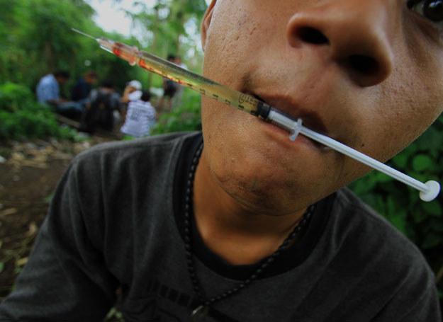Nie tylko narkomani chorują na AIDS /AFP