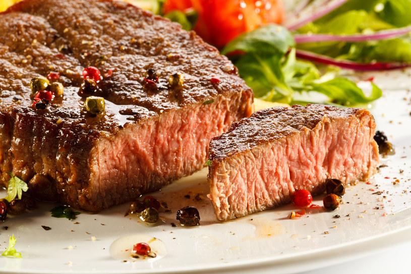 Nie unikaj tłuszczu, nie przesadzaj z owocami i warzywami /123RF/PICSEL