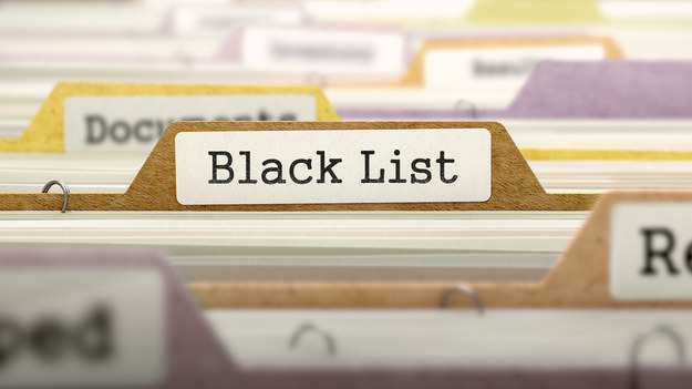 Nie ustają kontrowersje wokół czarnych list pracowników /123RF/PICSEL