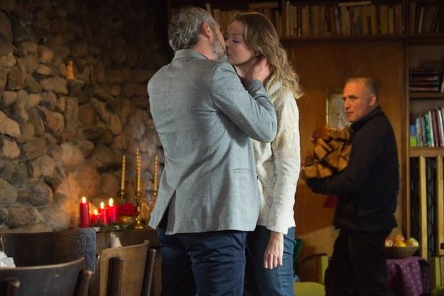 Nie wiadomo, czy Anna odwzajemnia uczucie Wernera, czy tylko pozwala się adorować. /Agencja W. Impact