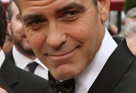 """""""Nie wiem, skąd to się wzięło"""" - mówi Clooney. /AFP"""
