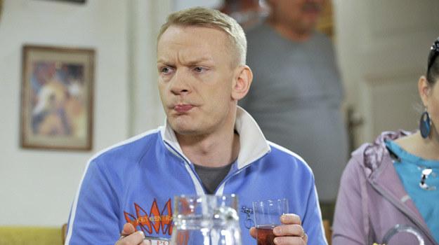 Nie wstydzę się roli Waldusia - przekonuje Bartosz Żukowski /Piętka /AKPA