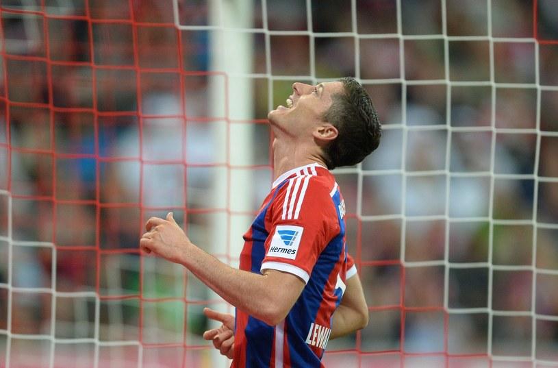 Nie wszyscy są zachwyceni początkiem przygody Roberta Lewandowskiego z Bayernem Monachium. /AFP