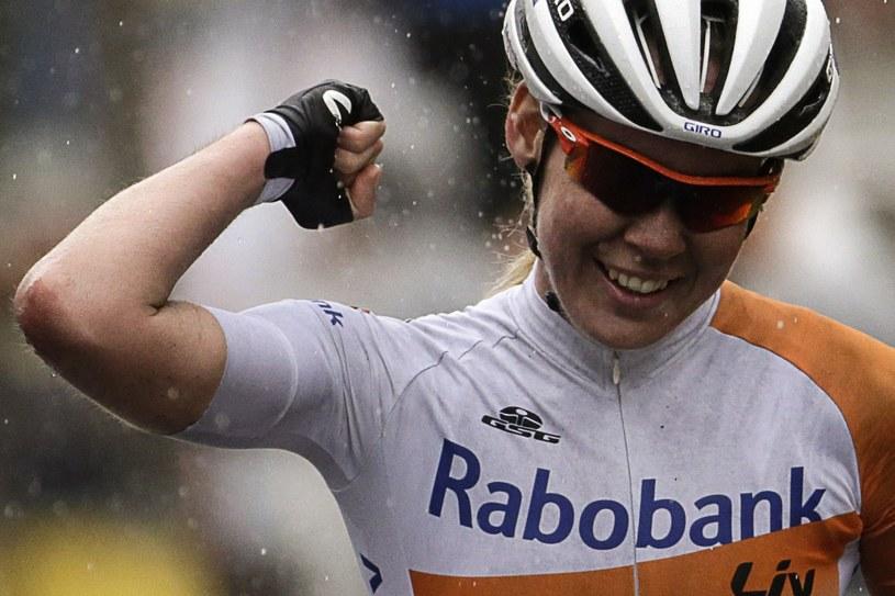 Nie wszystkie kobiety jeżdżą na rowerach w strojach takich jak Anna van der Breggen (na zdjęciu) /AFP