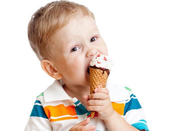 Nie wszystkie słodycze nadają się dla dzieci /123RF/PICSEL
