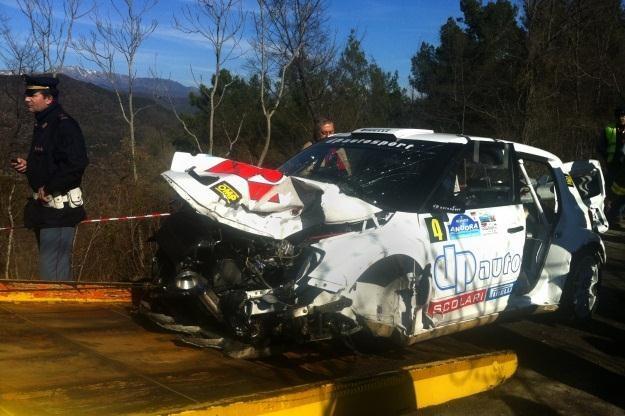 Nie wszystkie załogi zatrzymały się na miejscu wypadku /AFP