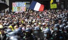 Nie wytrzymali. Tłumy na ulicach po apelu Macrona