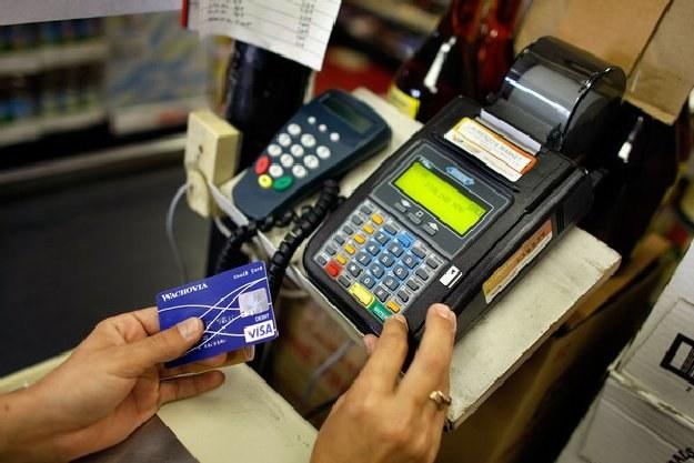Nie zablokujesz już karty płatniczej! /AFP