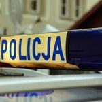 Nie zatrzymał się do kontroli, uderzył w radiowóz. Policjant ranny w Jeleniej Górze