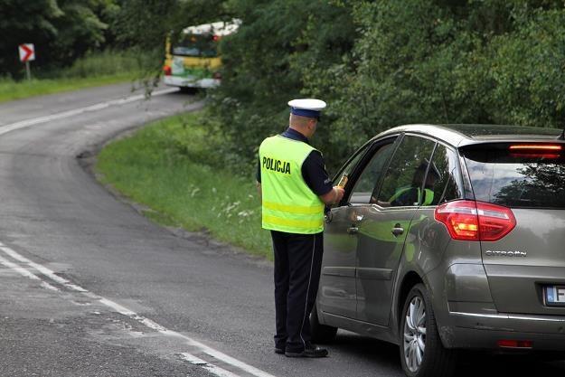 Nie zawsze utrata prawa jazdy oznacza zakaz jazdy / Fot: Piotr Jedzura /Reporter