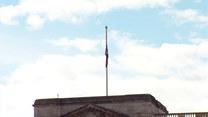 Nie żyje książe Filip. Flaga na pałacu Buckingham opuszczona do połowy masztu