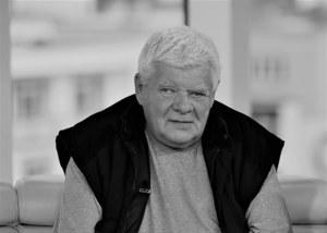 """Nie żyje Tomasz Knapik. """"Był głosem w naszych domach"""""""
