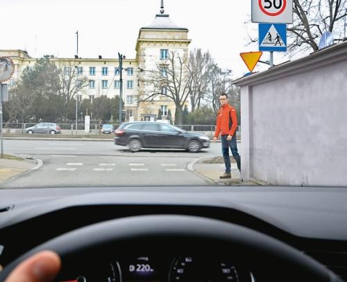 niebezpieczne przejście dla pieszych /Motor