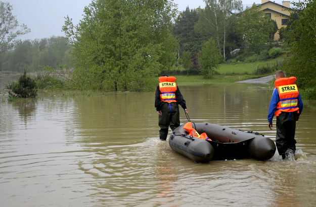 Niebezpieczne rzeki: Utonął 62-letni mężczyzna. Inny trafił do szpitala