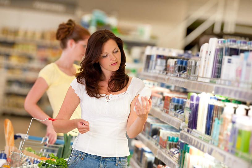 niebezpieczne składniki dezodorantów /© Photogenica