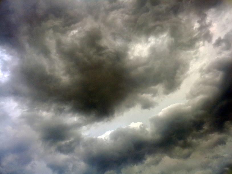 Niebo będzie zachmurzone /123RF/PICSEL