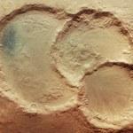 Niebywały krater na Marsie - jak on mógł powstać?