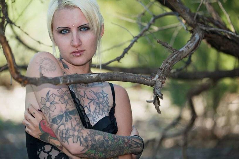 Niechcianego tatuażu możesz się pozbyć /123RF/PICSEL