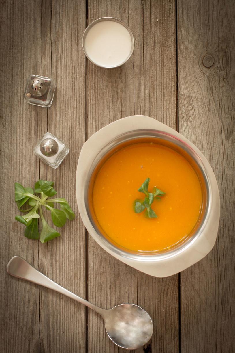 Niecodzienna zupa z pomarańczami /123RF/PICSEL