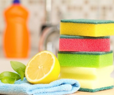 Niecodzienne zastosowania gąbki do mycia naczyń