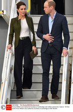 Niecodzienny widok! Księżna Kate... w szerokich spodniach!