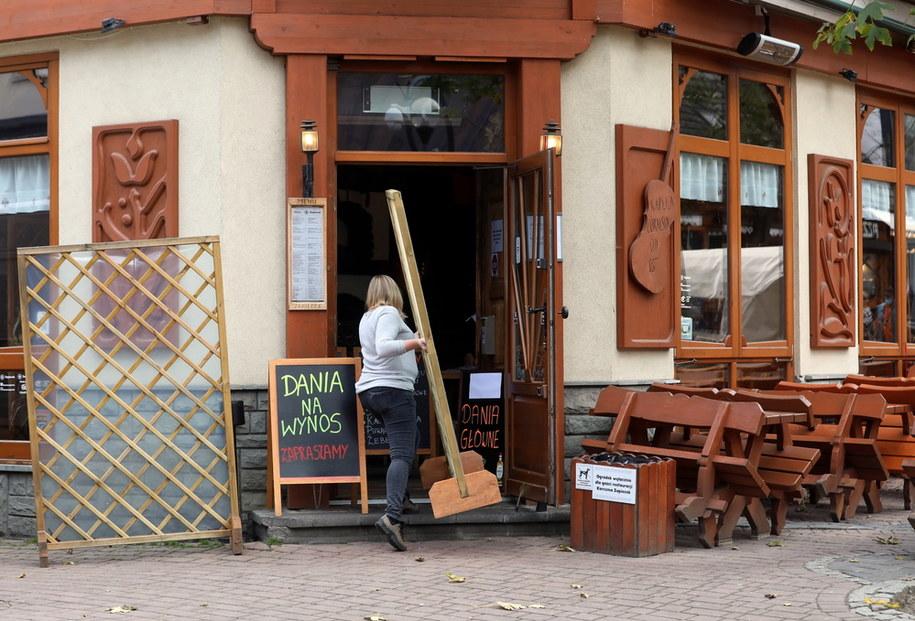 Nieczynne restauracje  na Krupówkach w Zakopanem / Grzegorz Momot    /PAP
