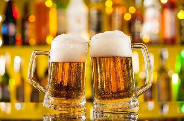 Niedobór jęczmienia pociągnie za sobą horrendalny wzrost cen piwa /©123RF/PICSEL