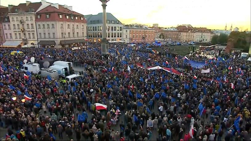 Niedzielna demonstracja prounijna w Warszawie /Polsat News