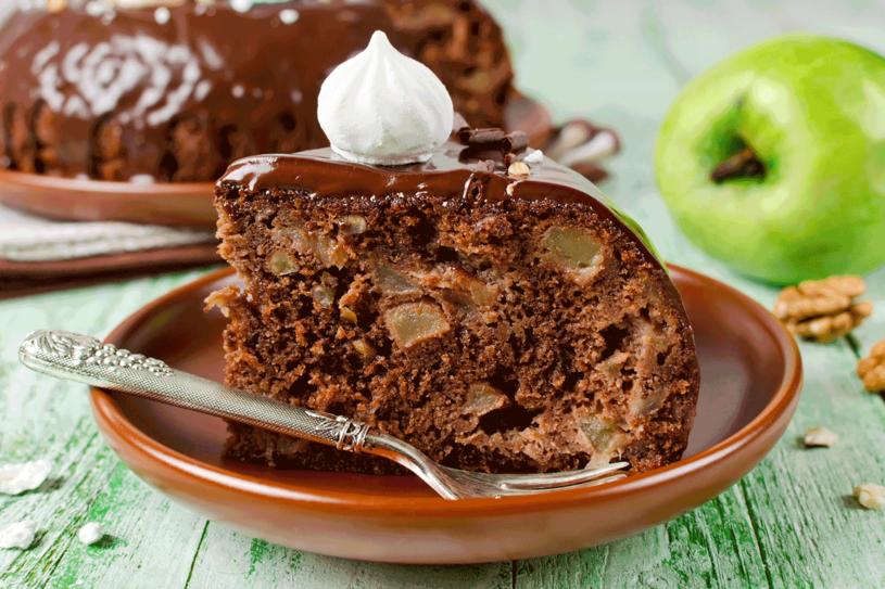 Niedzielne ciasto czekoladowe /123RF/PICSEL