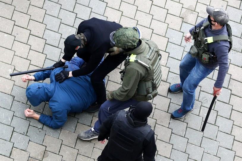 Niedzielne zatrzymania w Mińsku /AFP