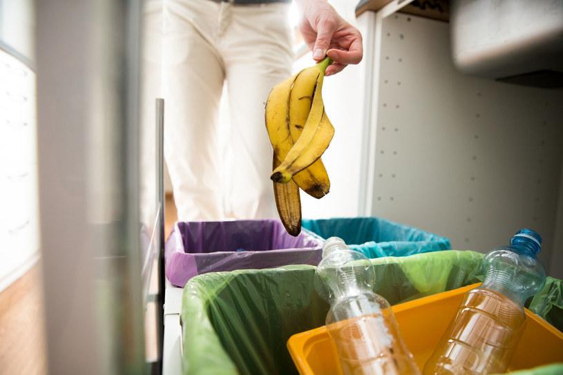 Niektóre firmy odzieżowe przetwarzają plastik i wykorzystują go ponownie /123RF/PICSEL