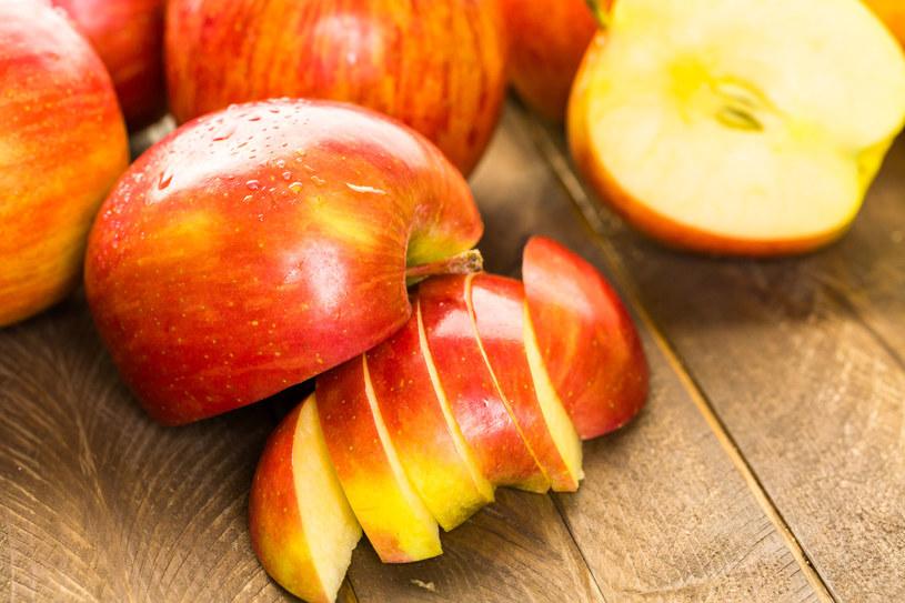 Niektóre gatunki jabłek nie służą jelitom /123RF/PICSEL