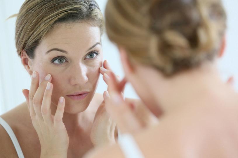 Niektóre objawy chorobowe można wyczytać z twarzy /123RF/PICSEL