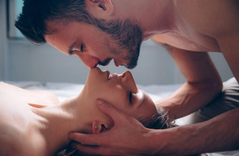 Niektóre pary dobrze czują się tylko w swoim towarzystwie /123RF/PICSEL