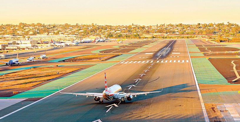 Niektóre porty lotnicze budowane są z dala od ludzkich osiedli. Inne... praktycznie w samym środku miasta /Świat na Dłoni