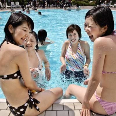 Niektórym może przeszkadzać nagość innych kąpiących się /AFP