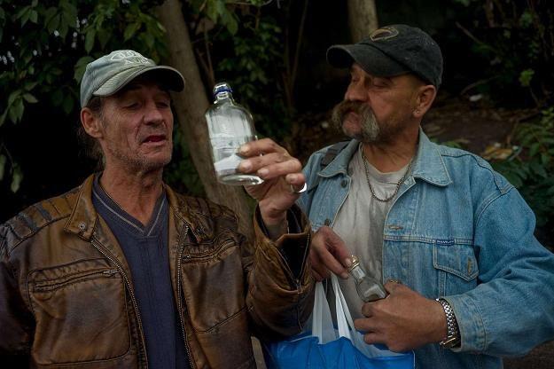 Niektórzy Czesi nie stronią od alkoholu z niewiadomego źródła... /AFP