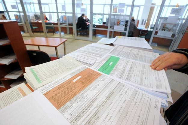 Niektórzy podatnicy muszą zlożyć dwa różne PIT-y, fot. Wojciech Stróżyk /Reporter