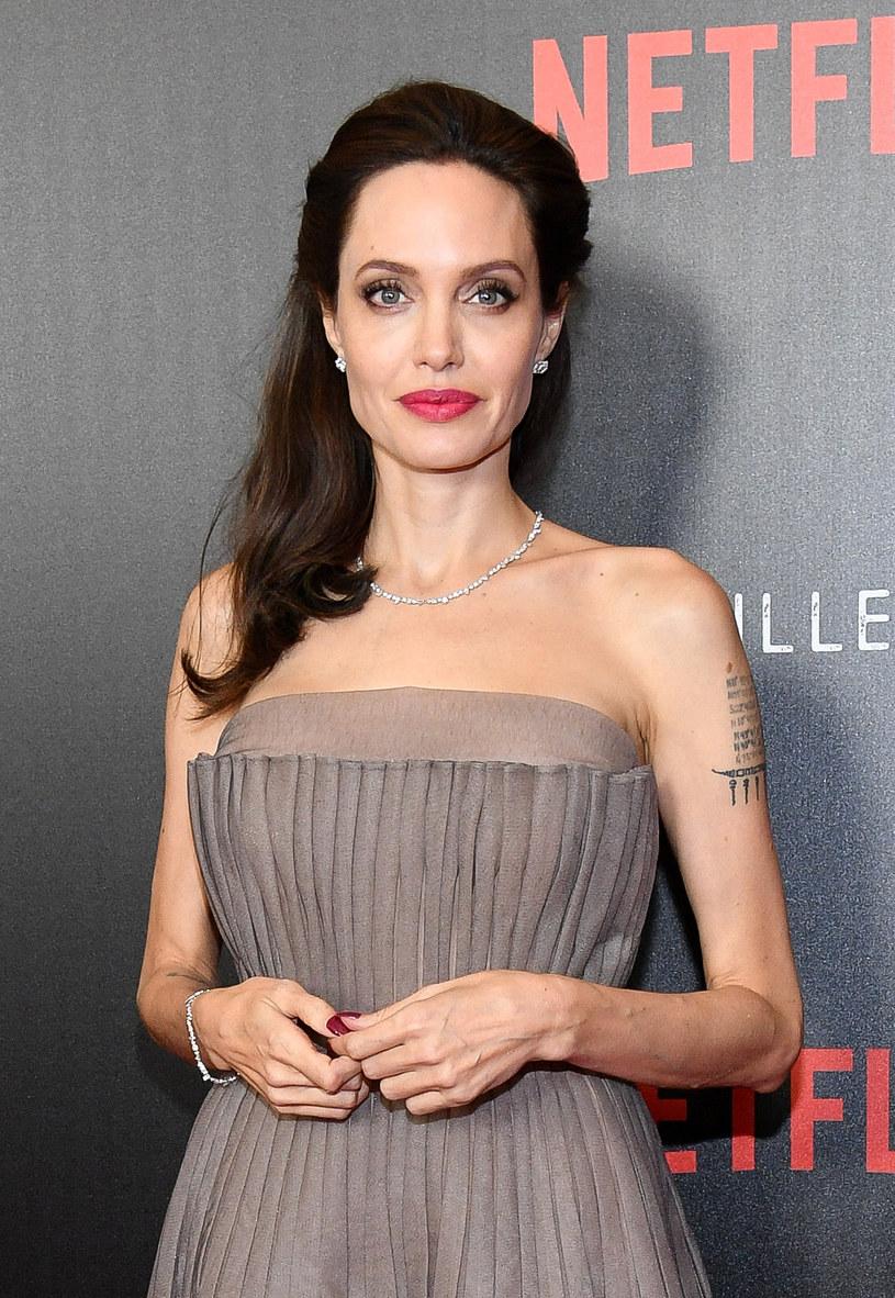 Niektórzy twierdzą, że jest kopią Angeliny Jolie /Dia Dipasupil /Getty Images