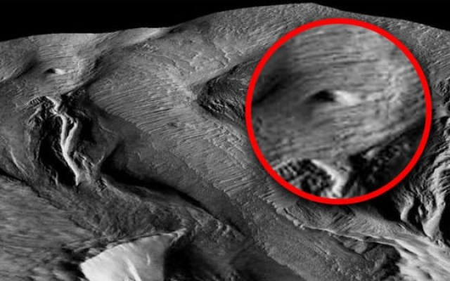 Niektórzy twierdzili, że skała w rejonie Medusae Fossae to statek kosmiczny /Innemedium.pl