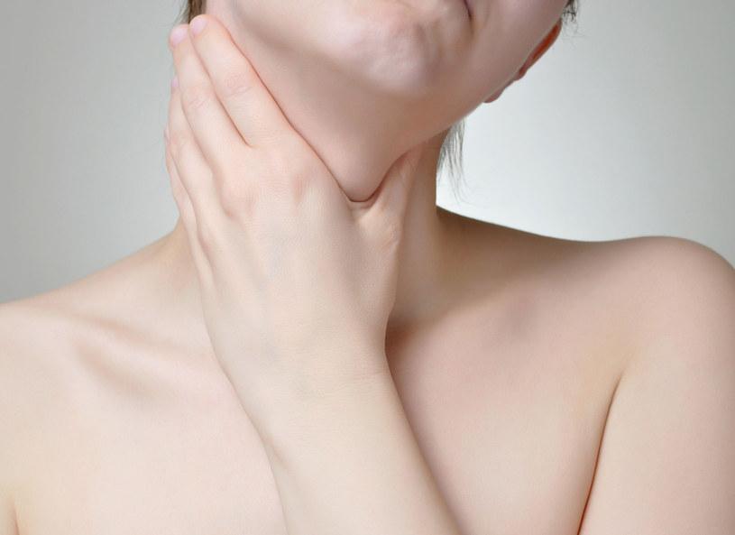 Nieleczona angina może prowadzić do powikłań /123RF/PICSEL