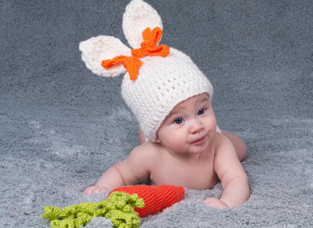 Nieleczona dysplazja stawu biodrowego może prowadzić do utykania dziecka i do szybkiej zmiany zwyrodnieniowej biodra u dorosłych. /123RF/PICSEL