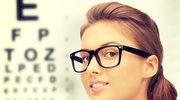 Nieleczone opadanie powiek może doprowadzić do wady wzroku
