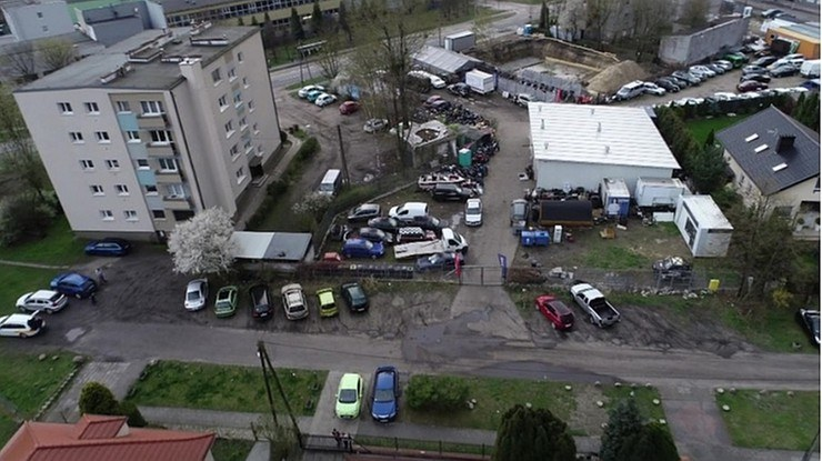 """Nielegalny warsztat. Reportaż """"Interwencji"""" /polsatnews.pl /Polsat News"""