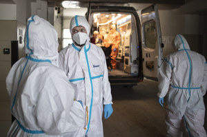Niemal 18 tys. zakażeń COVID-19 w Rosji. Obowiązkowe szczepienia dla części osób w Moskwie